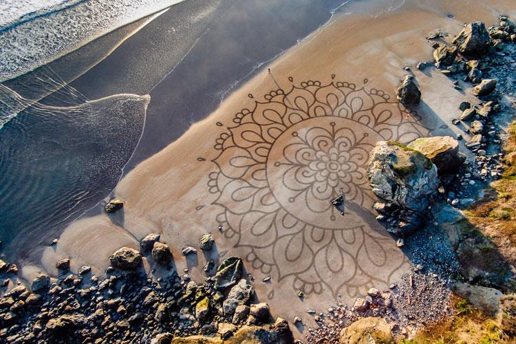 Рисунки на песке Андреса Амадора